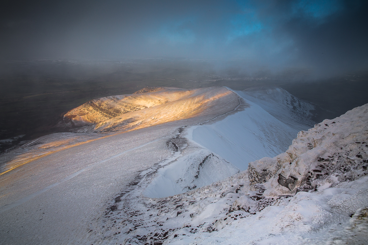 Cefn Cwm Llwch once again showing us how winter transforms these mountains.